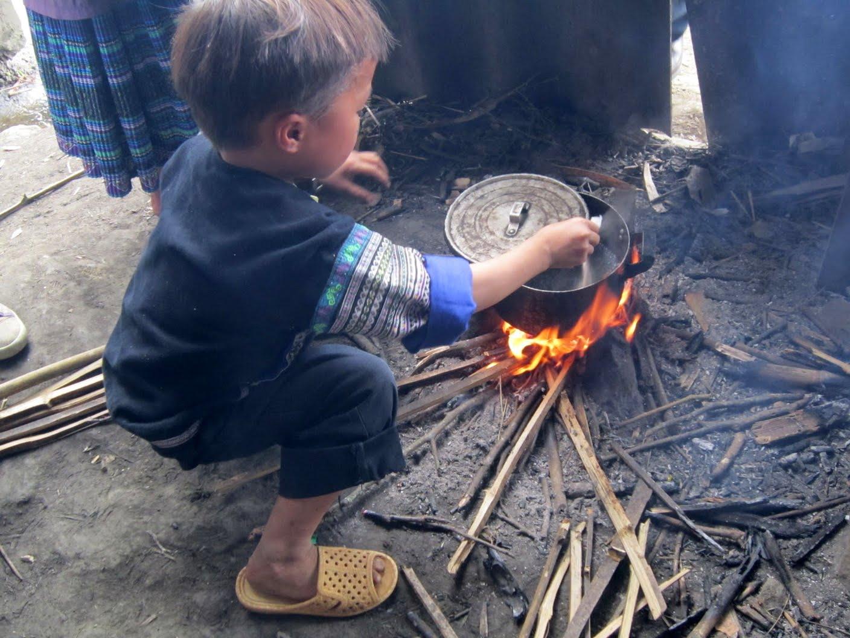 Cơm có thịt - Nơi thắp lên ngọn lửa ấm áp tới học trò nghèo vùng cao   Đại  học Hàng hải Quốc gia Liên Bang Nga, tp. Vladivostok