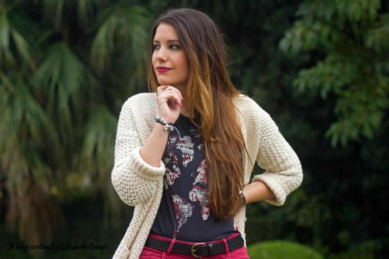 shorts rojos y cardigan blanco cuñas negras con flecos MARYPAZ EL CORTE INGLES HEELSANDROSES (2)