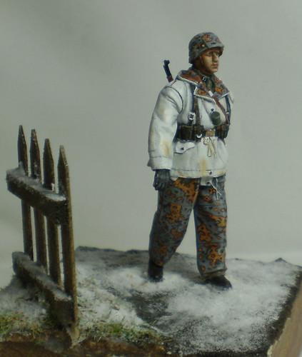 WSS Grenadier Late War - Alpine miniature - 1/35eme - Peinture a l'huile - Page 2 23486444151_474a7d70f2