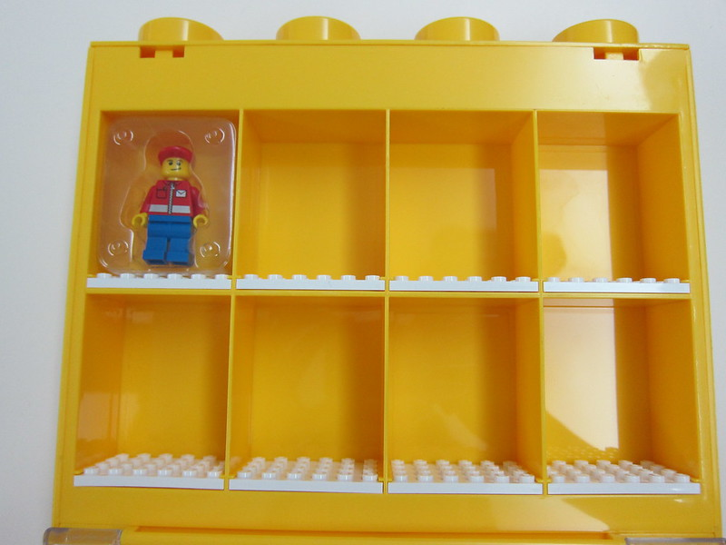 LEGO Small Minifigure Display Case - Box