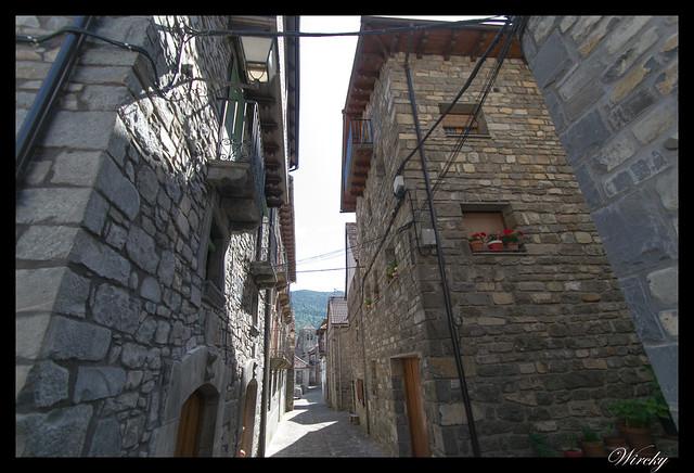 Un paseo por Ansó - Calles estrechas de Ansó