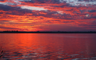 Red sunset of lake Siutghiol (AP4K1102 1)