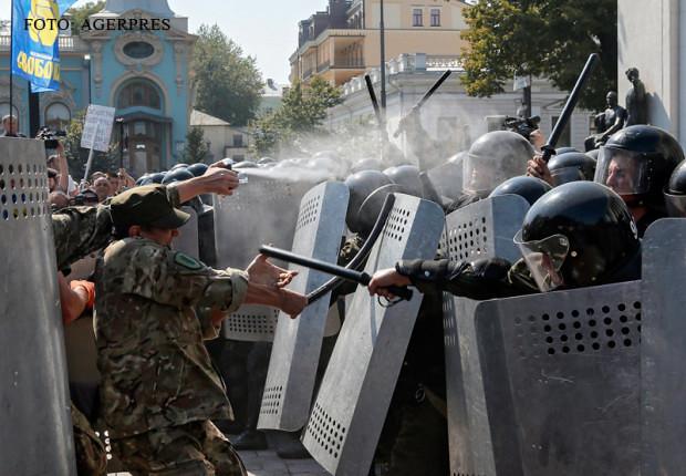 noi_violente_la_Kiev (2)