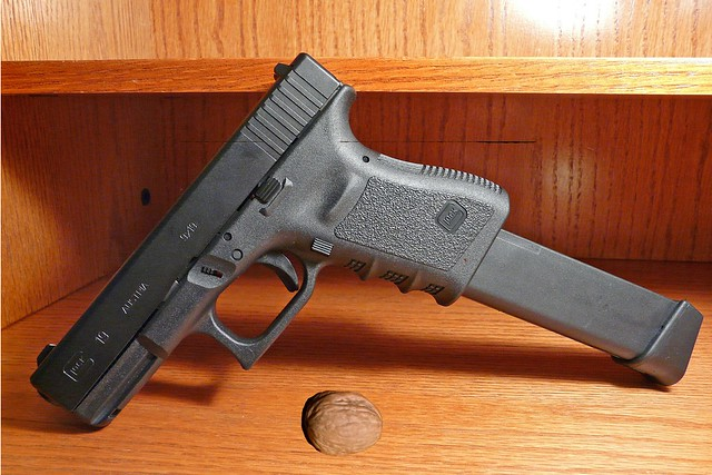 Gun-nutcracker