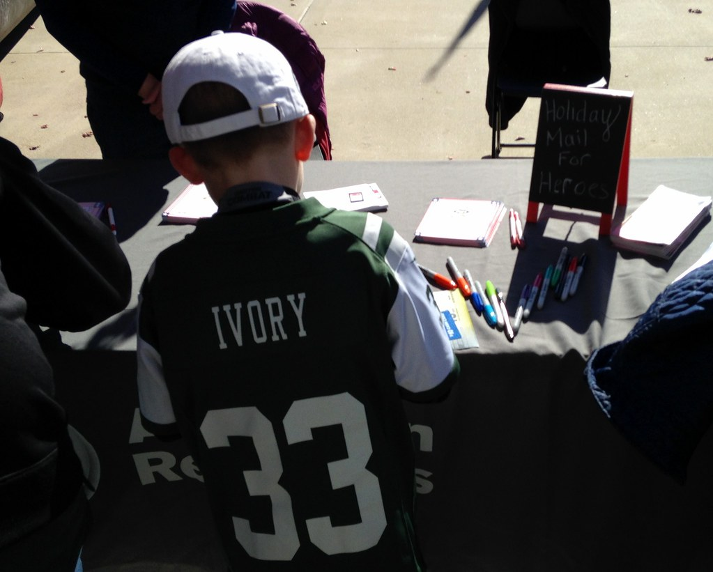 check out 94550 455dd Holiday Mail for Heroes at New York Jets Salute to Service ...