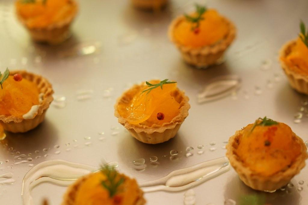 ブルーチーズと太秋柿と栗のはちみつのタルトレット