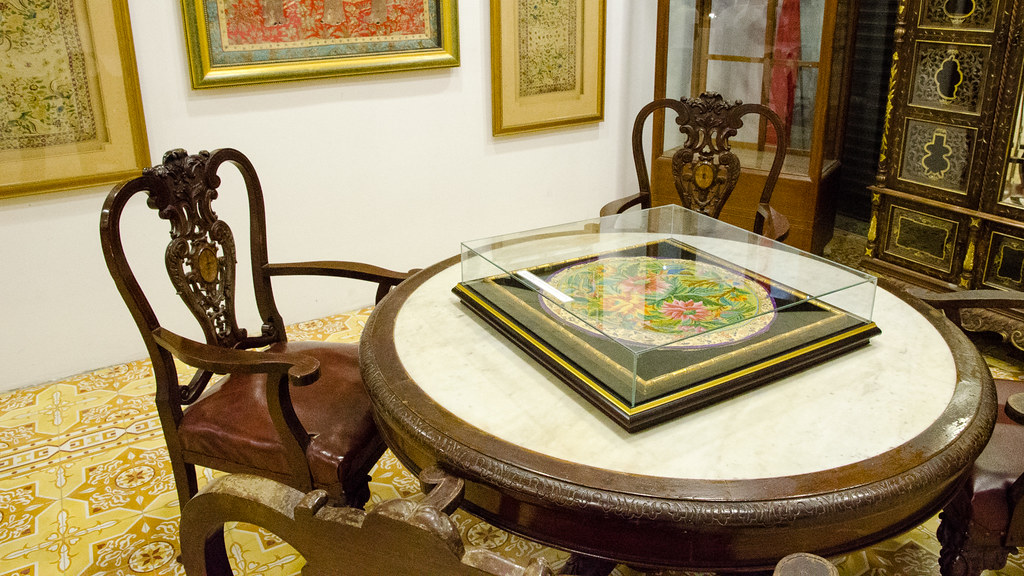 Round Table in Pinang Peranakan Mansion