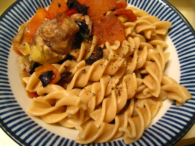 The Vegan Table: Crowd-Pleasing Pasta With Tomatoes and Artichokes