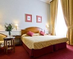 Si vienes a Madrid por negocios... Benefíciate de nuestro paquete ejecutivo en #InturPalacio a precio especial #oferta #hotelesmadrid #hoteles #hotelesintur #hotelintur #Madrid #habitación #hotelroom # business