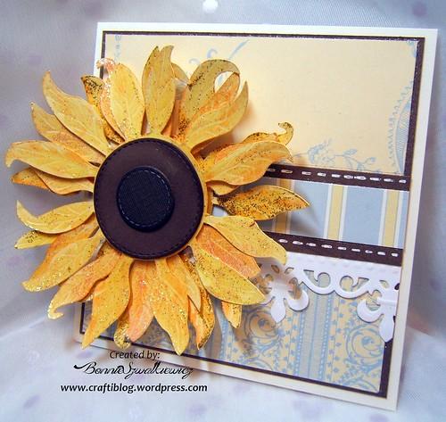 2015-12-21   SVGcuts sunflower freebie 032313 (1)