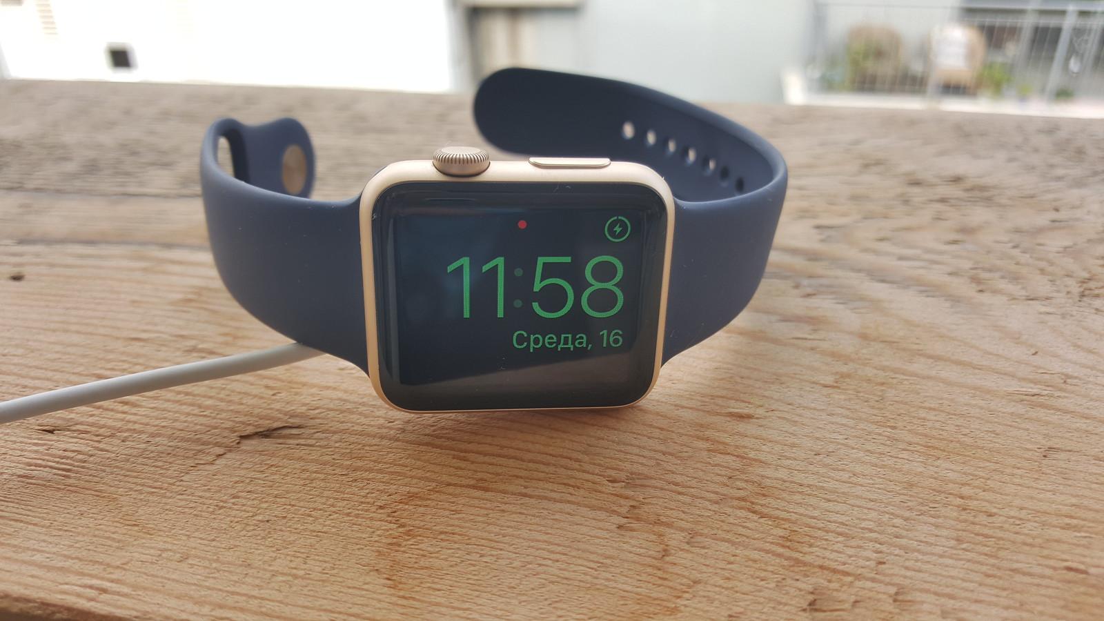 Поскольку первая версия практически любого устройства содержит в себе недоработки и ошибки, я приобрел себе apple watch второй итерации.
