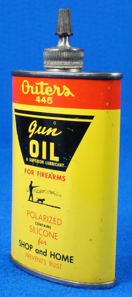 RD14571 Outers 445 Gun Oil Tin 3 oz Lead Top Yellow Oiler Collectible Vintage Oil Can DSC06867
