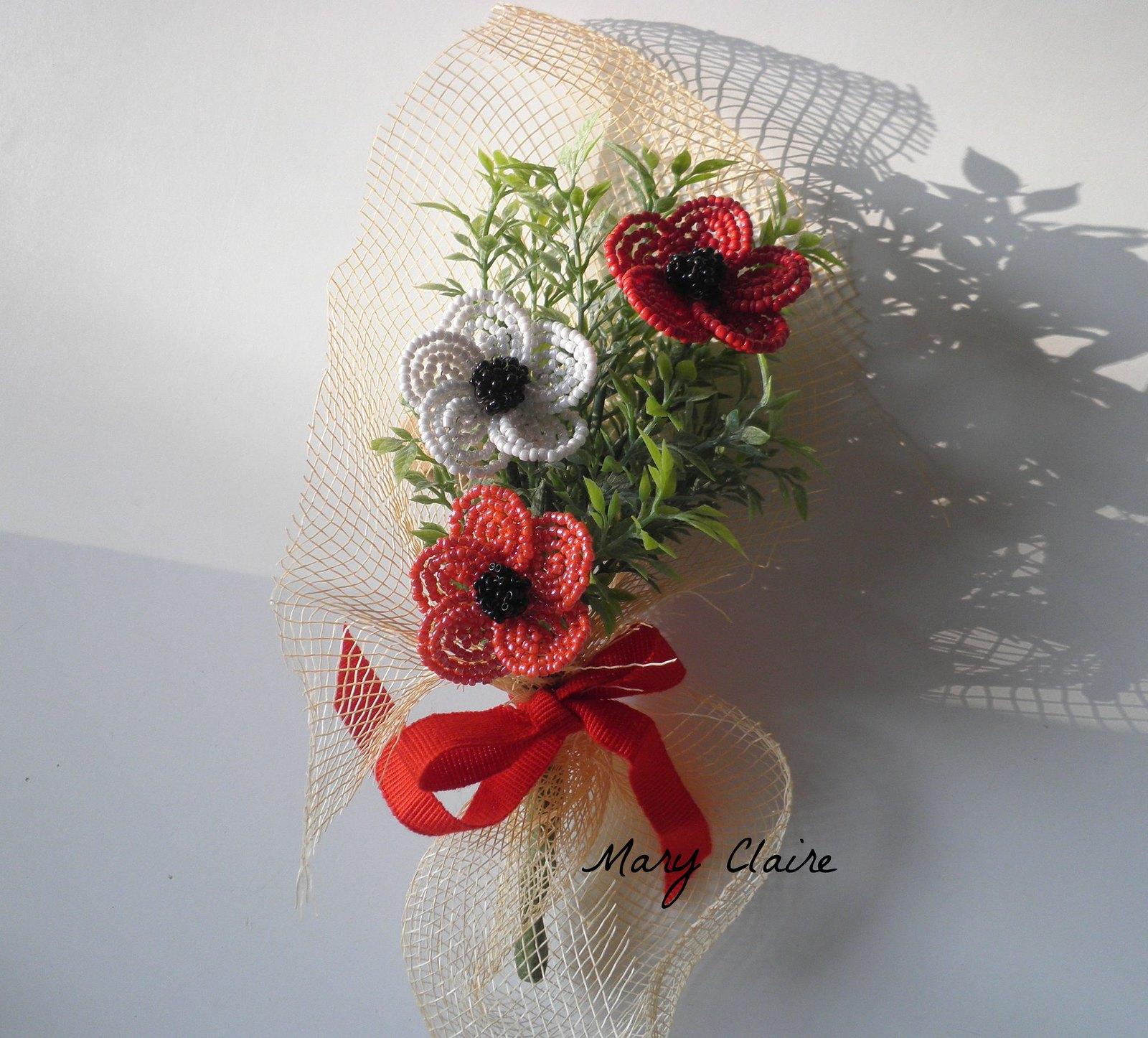 mazzolino anemoni bianco,rosso e corallo