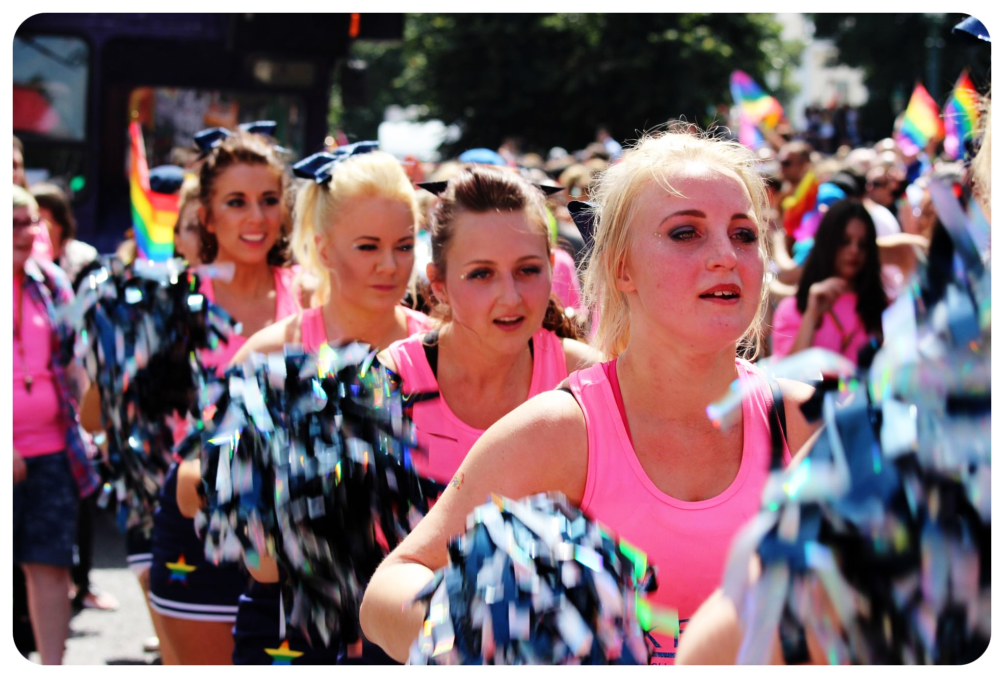 brighton pride 2015 cheerleaders