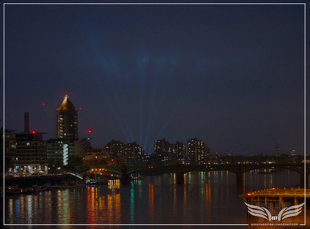 The Establishing Shot: SPECTRE WORLD PREMIERE SPOTLIGHTS LIGHT UP THE SKY FROM THE ROYAL ALBERT HALL ACROSS THE THAMES