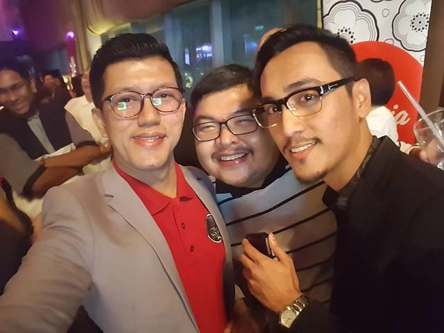 Us N Prince Ahakz Ahaks Ahaks Ahaks   Happening Now Party Sambutan Majalah Dalam Penerbangan Airasia 3Sixty Keluaran Yang Ke 100. Congrats @Airasia #Travel3Sixty100Th #3Sixty #3Sixtymagazine #Airasia