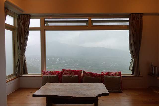 可以遠眺景觀的大窗戶@宜蘭香格里拉休閒農場