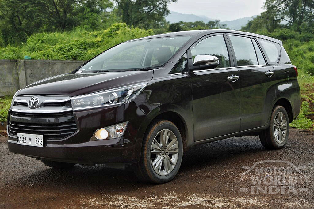 Toyota-Innova-Crysta-Petrol-Front-Three-Quarter (2)