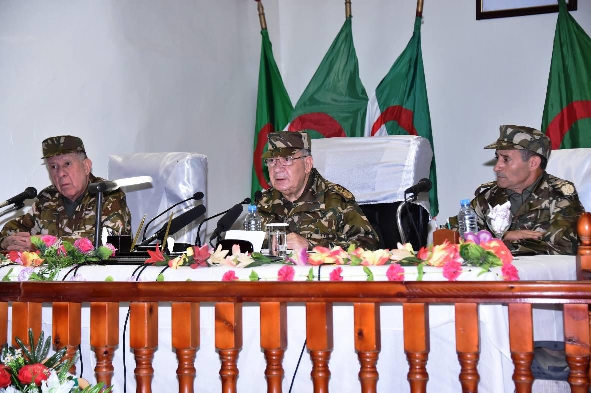 الجزائر : صلاحيات نائب وزير الدفاع الوطني - صفحة 5 30863564606_96e50a30f7_o