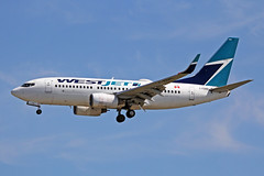 C-FZWS Boeing 737-76NW WestJet Airlines YVR 17JUL18