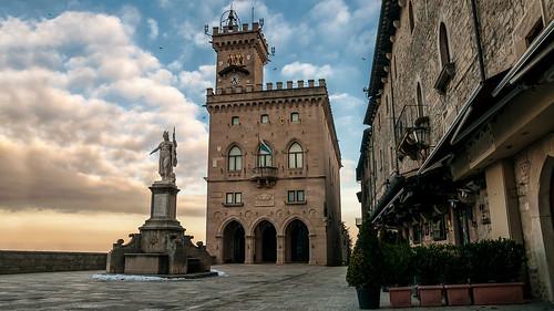 sunset italy castle sunrise san italia tramonto centro cielo piazza colori castello cloudporn marino forte rsm skyporn guaita