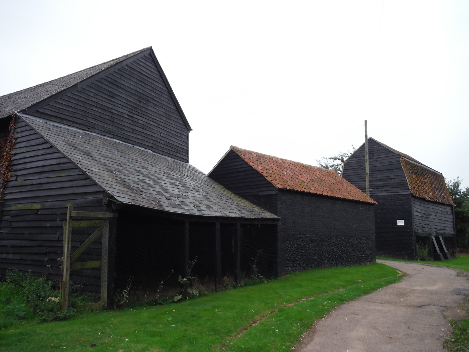 Farm in Sawbridgeworth SWC Walk 164 Roydon to Sawbridgeworth via Henry Moore Foundation