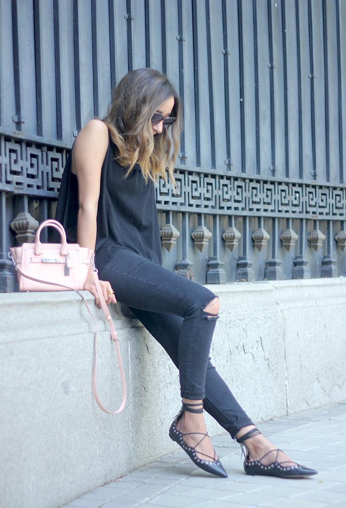 Lace Up Flats Black Jeans Top Hoss Intropia Coach Bag Aristocrazy10
