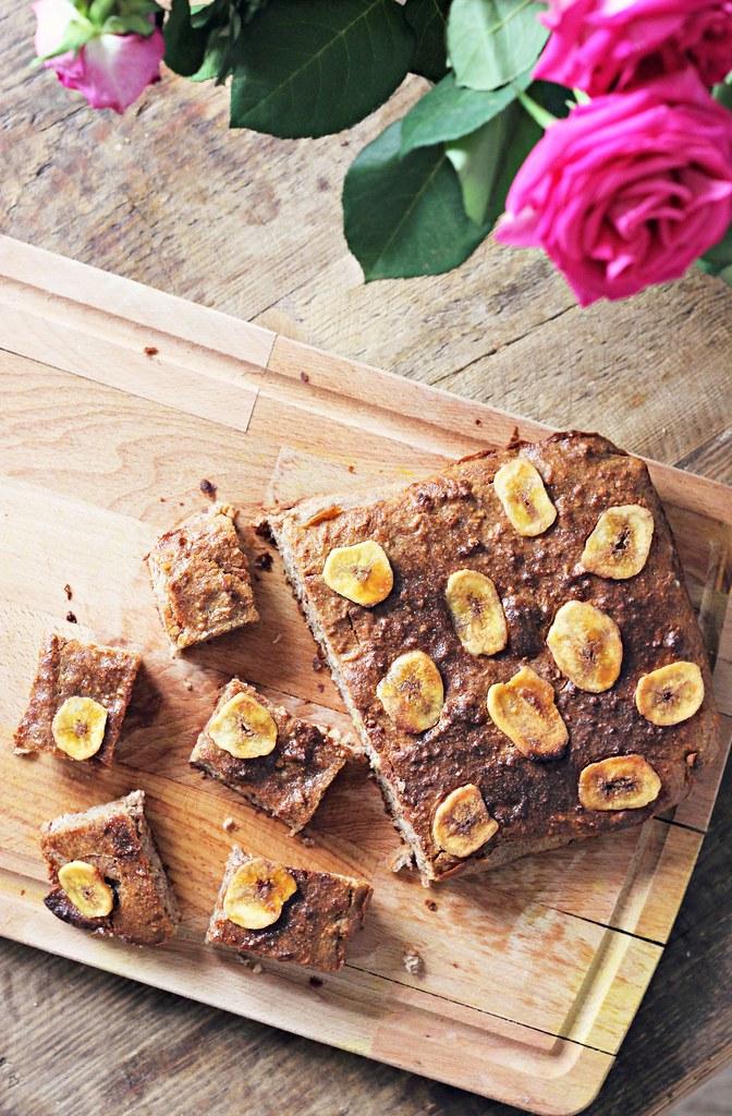 Healthy banana bread bites recipe the little magpie 1