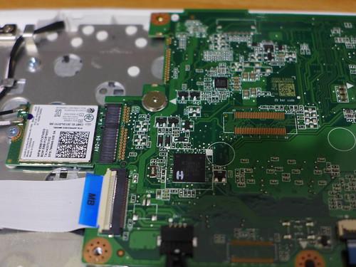 Acer Chromebook 移除寫入保護螺絲