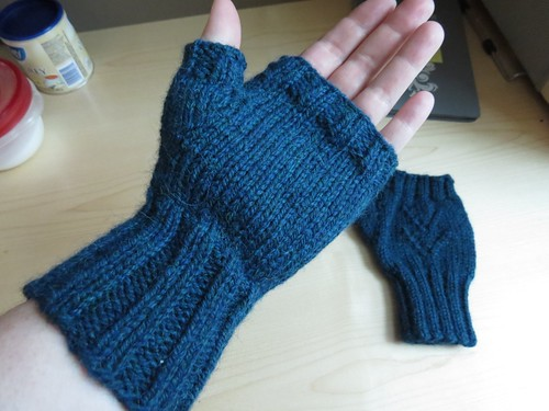 fo: Edith Fingerless Mitts