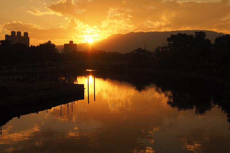 愛河 Sunset|中一光學 Zhongyi