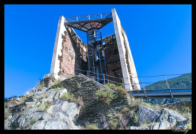 Conjunto histórico de Les Bons - Escalera mecánica de Torre de los Moros