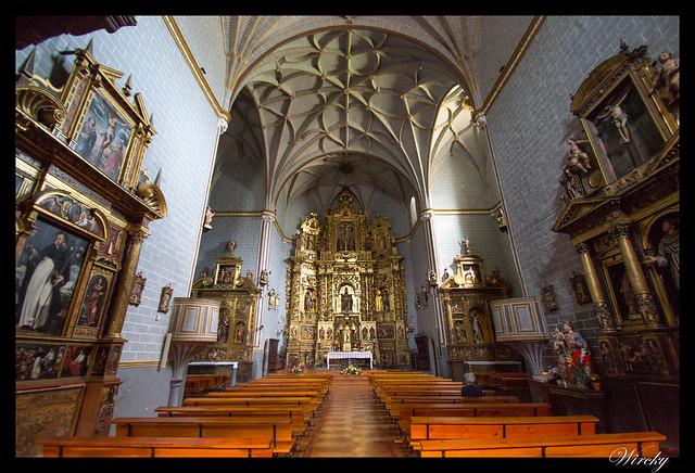 Interior Iglesia parroquial de San Pedro de Ansó