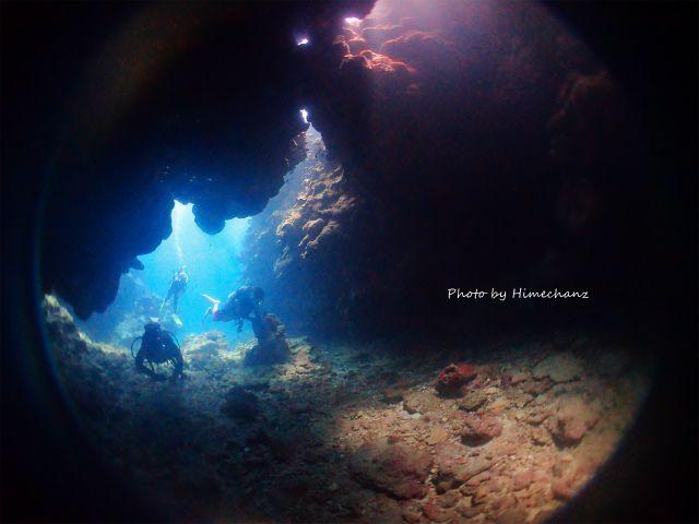 今日も洞窟の光がキレイでした!!!