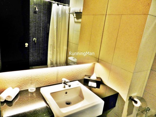 U Hotel 03 - Bathroom