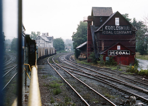 railroad train dh uboat kr cabride localtrain kodachrome64 freighttrain delawarehudson cobleskillny fallenflag u23b geu23b newyorkstaterailroads cobleskillcoal easternnewyorkrailroads dh2306