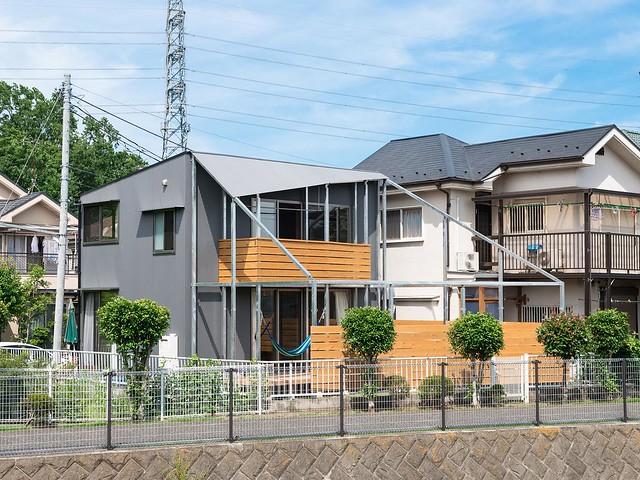 小さなお家と大きなお庭(新築)