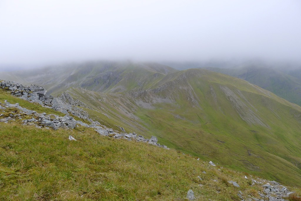 Connecting ridge to A' Chralaig