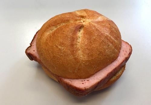 Bavarian meat loaf bun / Leberkäs'semmel