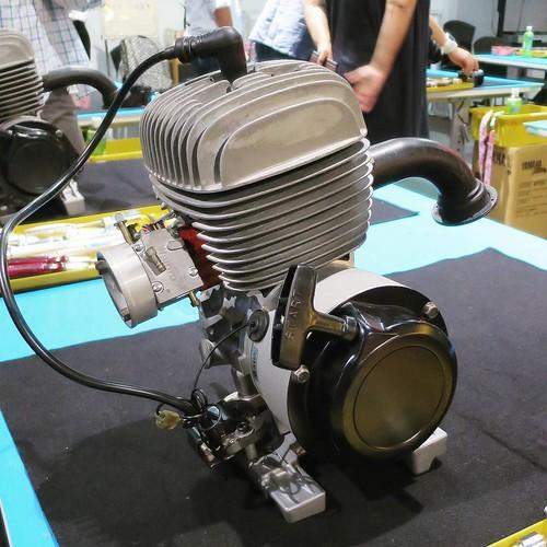 100cc 2サイクルエンジン。ゴーカートで使われてるやつ。分解するよ。 #ヤマハCP