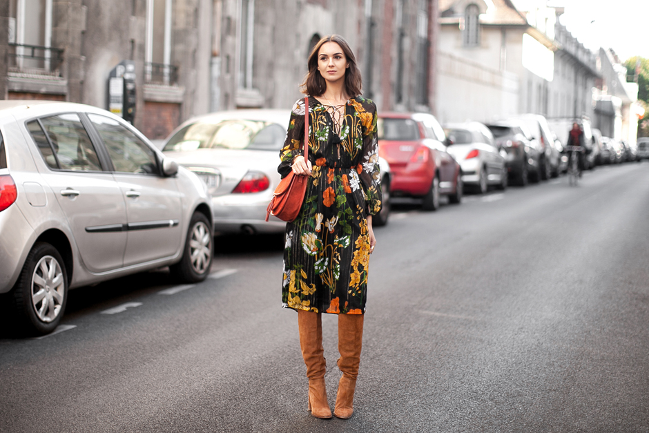 floral-dress-for-fall-suede-boots-outfit
