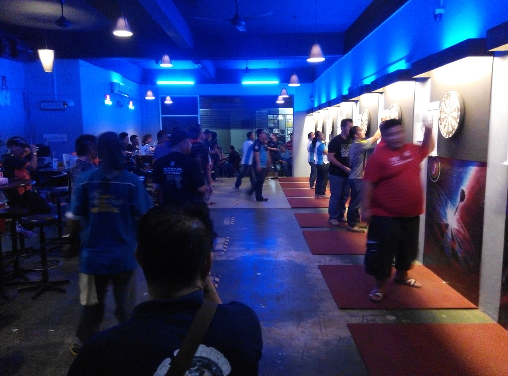 W'Cafe Dart & Karaoke 1st Double Dart Battle 2015. Games in progress.