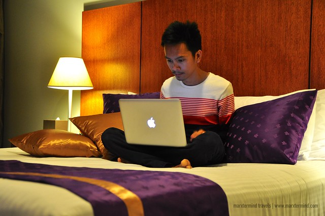 Using the Complimentary Wi-Fi at Park Regis Griffin Suites