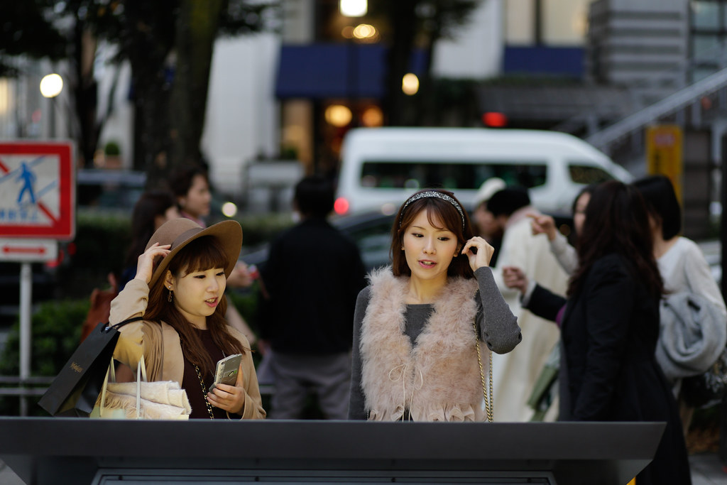 Jingumae 4 Chome, Tokyo, Shibuya-ku, Tokyo Prefecture, Japan, 0.008 sec (1/125), f/1.8, 85 mm, EF85mm f/1.8 USM