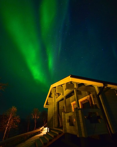 [30 Days of Goodness] This is what seeing the northern lights over your house looks like. For the people of the Lapland, this might be nothing special since it happens daily. But for those of us who are not so lucky enough to see the magical lights every