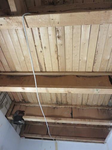 Ganz leeres Dach
