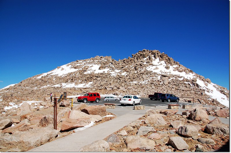 Summit of Mount Evans(From parking lot)