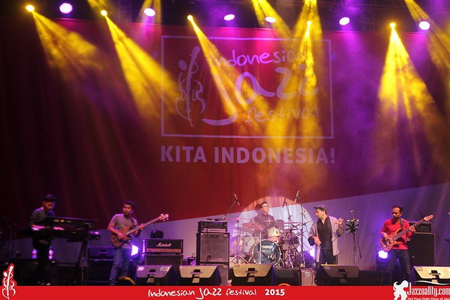Indonesian Jazz Festival 2015 - The Fingers ft Tompi(2)