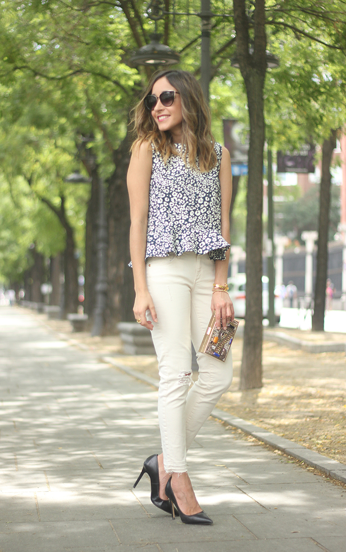 White Jeans Peplum Top Leopard Print Outfit black Heels 02