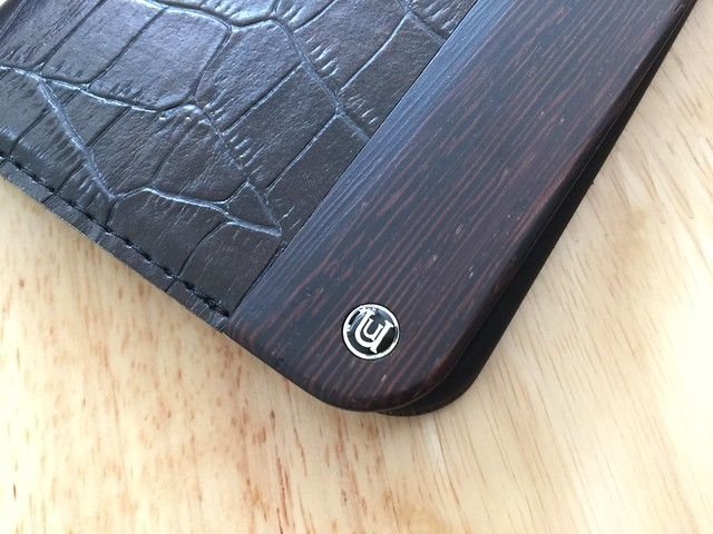 UUNIQUE Wooden Case with Maxi Croc